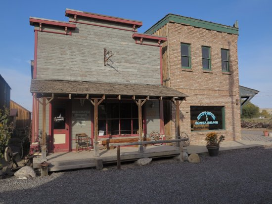 Montrose, CO: Gunsmith Supplies and Hotel and Saloon