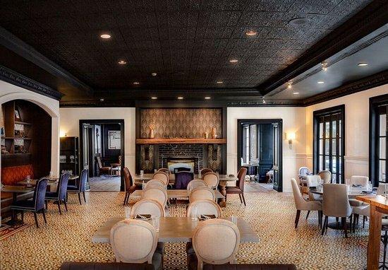 renaissance charleston historic district hotel updated. Black Bedroom Furniture Sets. Home Design Ideas