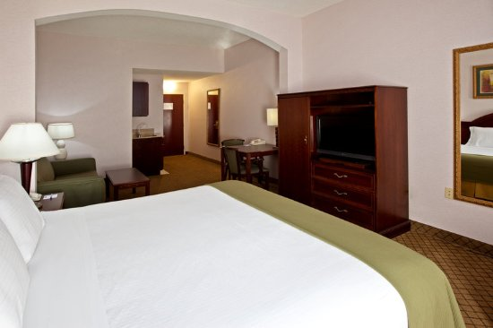 Milford, OH: Suite