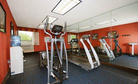Holiday Inn Express Forsyth: Fitness Center