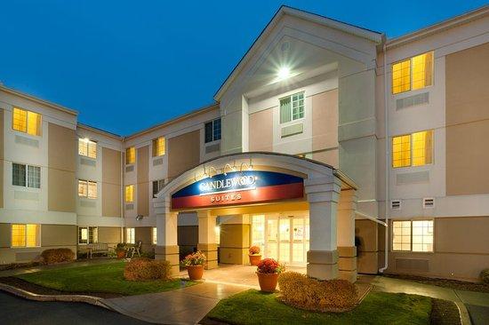 Windsor Locks, CT: Hotel Exterior