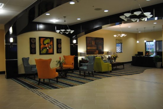 Covington, TN: Hotel Lobby / Business Center