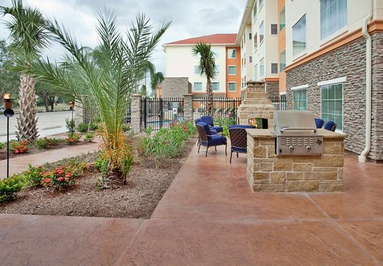 Residence Inn Houston I-10 West/Park Row: Outdoor Space