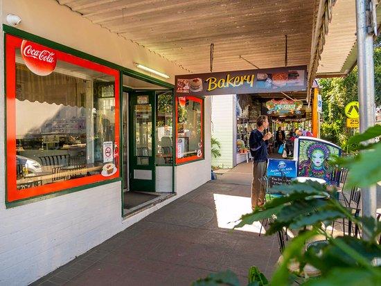 Nimbin, Australia: Footpath view 2017
