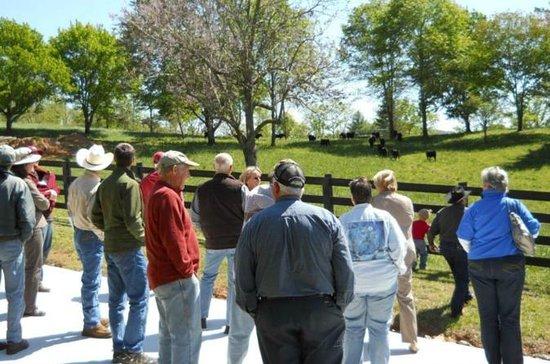 Walnut Hollow Cattle Ranch Tour de la...
