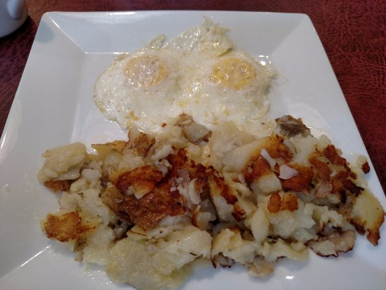 Leola, PA: Eggs over medium with homefries