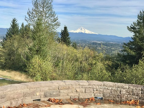 Gresham, OR: Small park but great for picnics & to enjoy the views