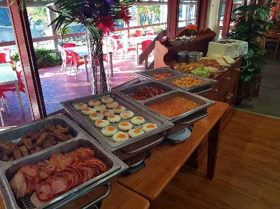 Advancetown, Αυστραλία: Sunday Breakfast 8am-10am - All You Can Eat Buffet