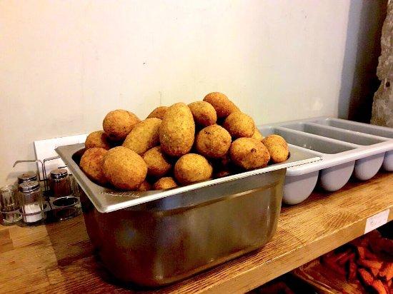 טעמאמא: Kibbeh bulgur (Friday's food market) 