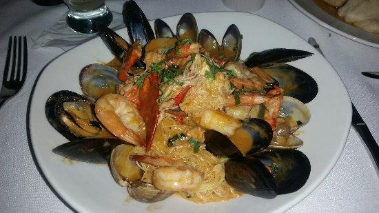 North Bergen, NJ: Seafood Campini