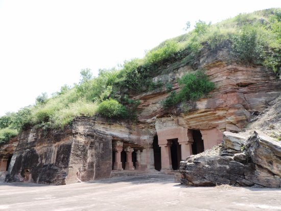 Dhar, India: Bagh caves