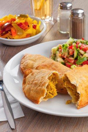 טעמאמא: Sambusak (Pastry filled with chickpeas)
