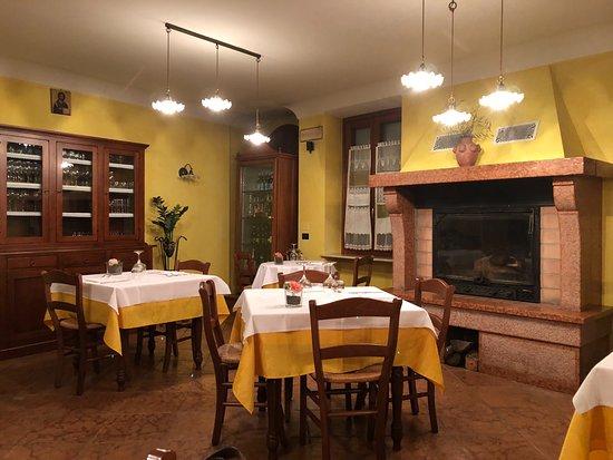 Hosteria Croce d'Oro : Inside