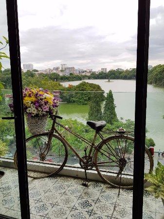 Cau Go Vietnamese Cuisine Restaurant: Balcony view