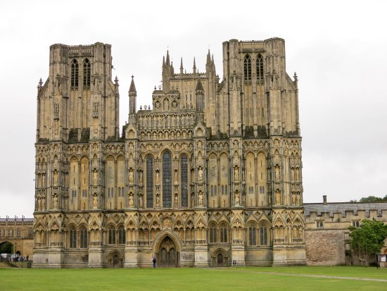 Wells Cathedral: Majestic symmetry