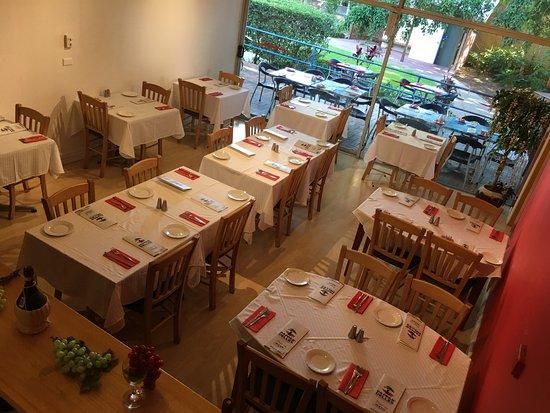 Golden Beach, Australia: Pan O Vino Italian Restaurant