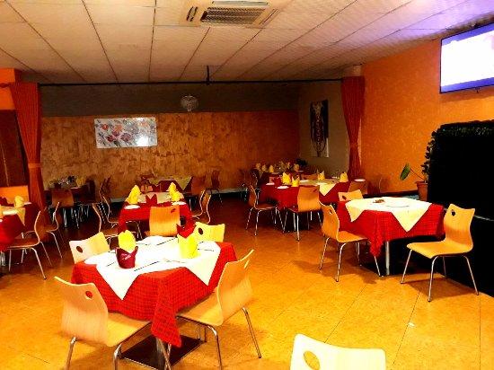 Red Onion: Dinning hall