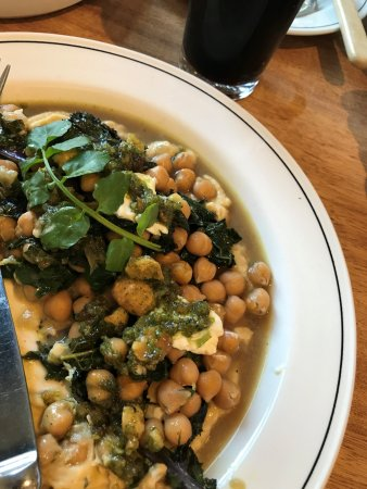Richmond, Australia: Roasted chick peas and kale