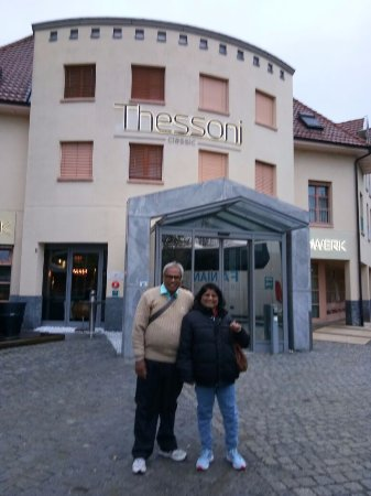 Thessoni Classic Zurich: Entrance gate of the hotel