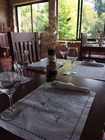 Restaurante bar taperia as pozas en mel n con cocina for Pozas de cocina