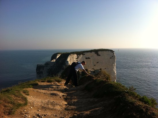 Swanage, UK: Rocks and Cliffs.. Farthest Point you can walk
