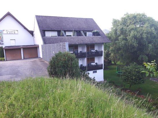 Kappelrodeck, เยอรมนี: Rückseite Zimmer mit Balkonen