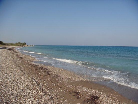 Vallian Village Hotel: plage près de l'hôtel
