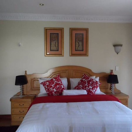 Centurion, South Africa: A view of one of our En-suite rooms we currently have six en-suit rooms shared and private bathr