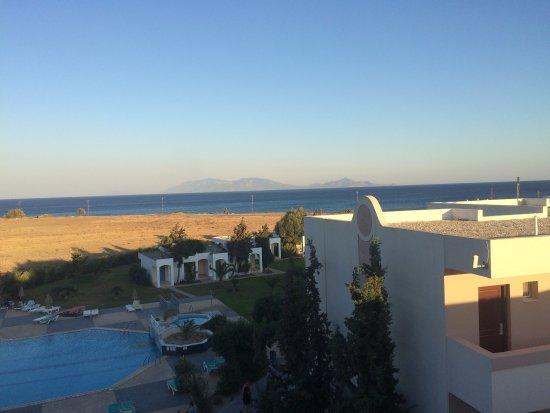 Sovereign Beach Hotel: photo1.jpg