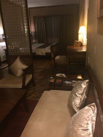 Shangri-La Hotel Kathmandu: photo1.jpg
