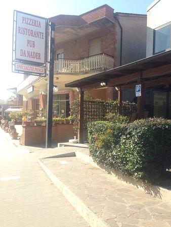 Deruta, Italy: Esterno ristorante