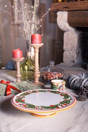 Deruta, Italy: Christmas holly