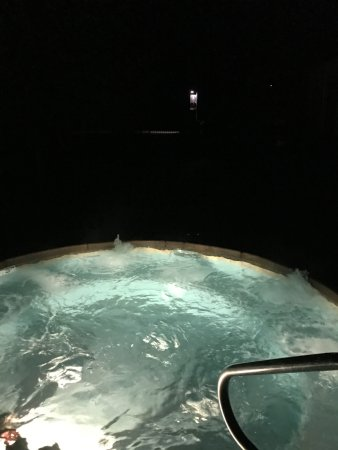 Sand Hollow Resort: No lights for outside pool time
