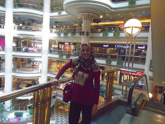 4ed23766d34 heel veel etages met winkels. - Picture of City Stars Mall, Cairo ...