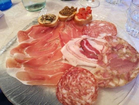 Buggiano Castello, Italië: Ristorante Pizzeria S. Elena - Antipasto Toscano