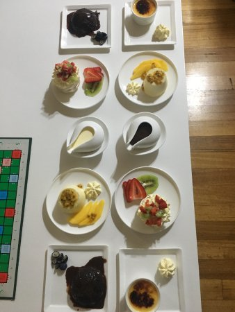 Flaxton, Australien: dessert platter