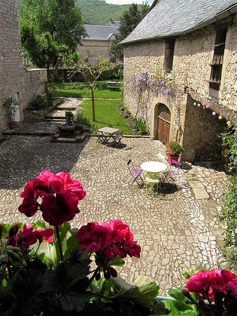 """Laissac - Severac l'Eglise, France: Chambre """"Vacances en Famille"""