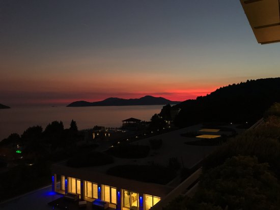 Orasac, Kroatia: Sunset across the resort