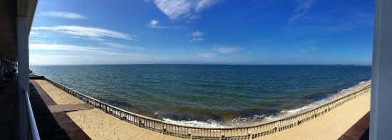 Crow's Nest Resort: Pano from any room