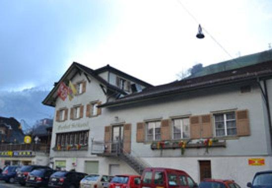 Dallenwil, Switzerland: Gasthaus Schlüssel, Aussenansicht