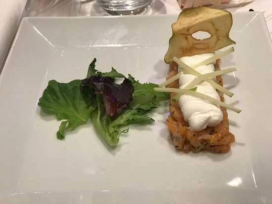 Hôtel Le Nogentel : entrée : tartare de saumons