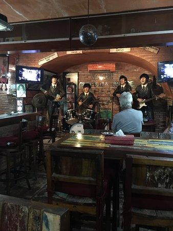 Sekuta Condo Suites: Cavern Bar