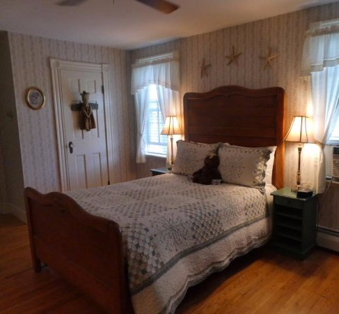 Morning Glory Bed & Breakfast: Elizabeth Howe Room