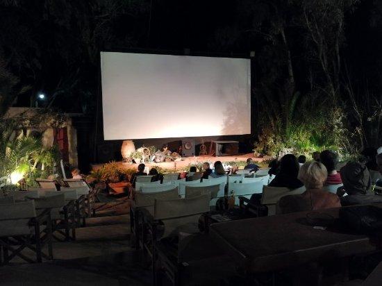 Open Air Cinema Kamari: IMG_20171016_204512_large.jpg