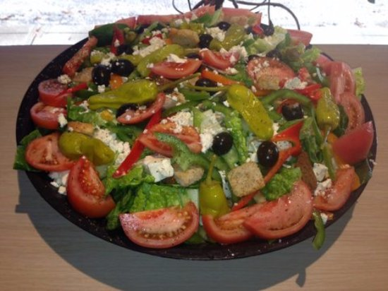 Southbridge, Массачусетс: Healthy and delicious salads from Margaux's Deli