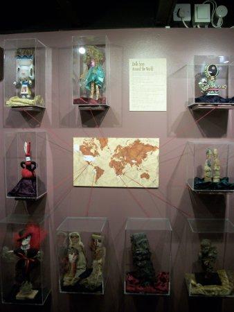 Boscastle, UK: Карта кукол вуду со всего света