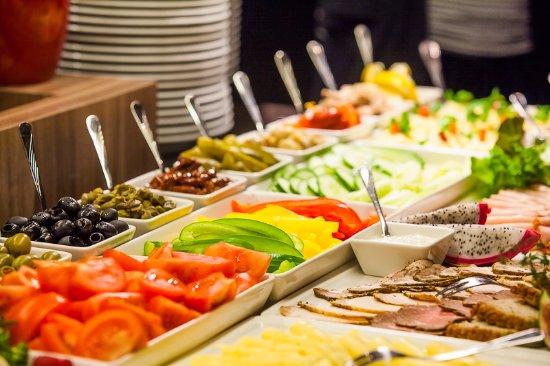 Gliwice, Polonia: Śniadanie z ponad 100 produktów