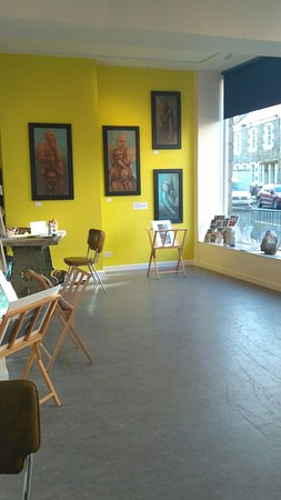 A7 Art Space: A few snaps of the new place!