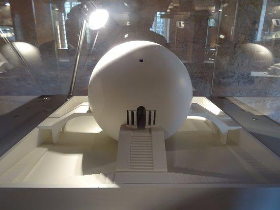 Arc-et-Senans, Fransa: Maquette d'un projet de l'architecte Ledoux.