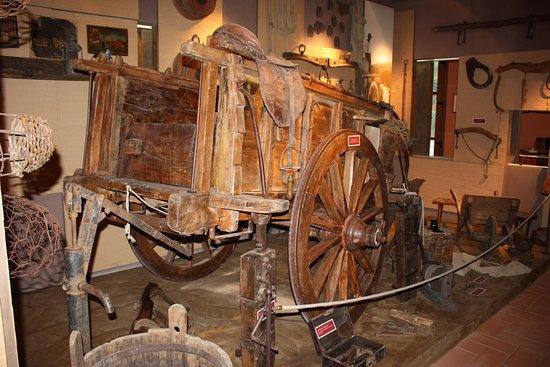 Montemassi, Italie : Barroccio e attrezzi vari nel museo